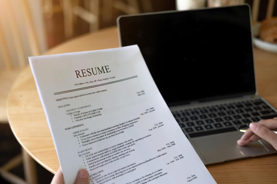 to build crazy effective résumé that gets top results an awesome resume 960x0 web Resume Build An Awesome Resume